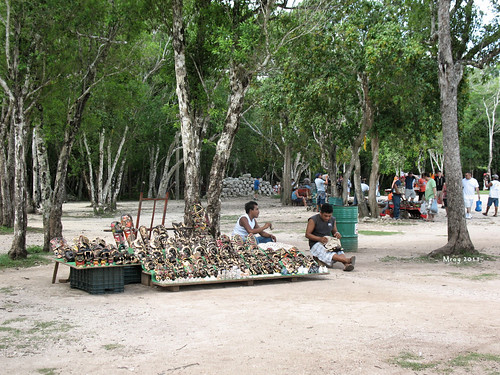 Vendors at Chichen Itza