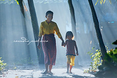 WIth my mom (rarindraprakarsa) Tags: morning light love mother rays ibu pagi cahaya kebersamaan kasihsayang ibuanak