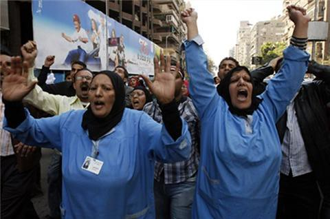 Egyptian workers continue their strikes and protests after the military coup that removed Hosni Mubarak from power. The masses want real change and the power to determine the future of the North African state. by Pan-African News Wire File Photos