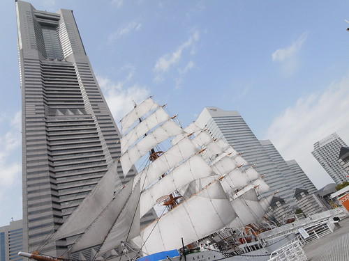 Yokohama sky and sails