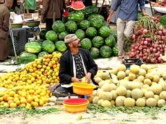 Market Trader, Aourir (ronramstew) Tags: vegetables fruit market stall agadir onions morocco maroc souk vendor oranges melons 1001nights marruecos selling marokko 2010 trader traders lemaroc platinumheartaward aourir 2010s 1001nightsmagiccity