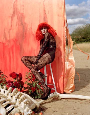 tim-burton-halloween-fashion-spread-harpers-bazaar-oct-2009-photos-12