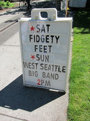 Fidgety Feet at the Ballard Locks
