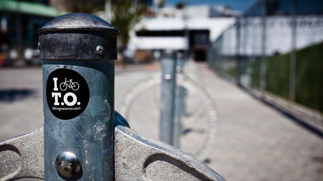 I bike T.O [EOS 5DMK2 | EF 17-40L@39mm | 1/3200 s | f/7.1 | ISO200]