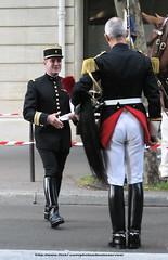 IMG_4514 ID (bootsservice) Tags: horses paris uniform boots cavalier uniforms rider garde cavalry bottes riders uniforme cavaliers breeches gendarmerie cavalerie uniformes ridingboots tallboots republicaine