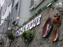 4 Rue des Saules, Paris, France