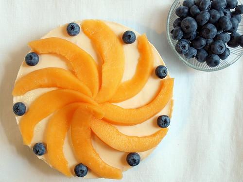Cantaloupe-Melonen-Kuchen mit Blaubeeren