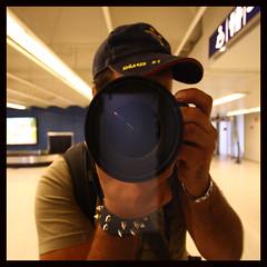 llegada Helsinky (autorretrato) (_mariano_) Tags: helsinki europa yo autoretrato ciudades aeropuerto vacaciones finlandia 210810