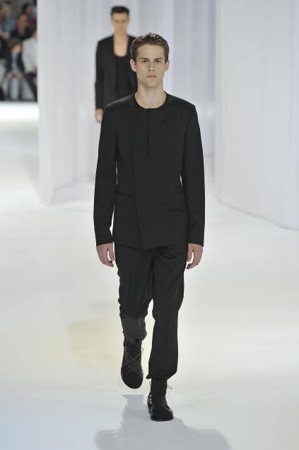 Jonathan Dalcin3011_SS11_Paris_Dior Homme(first VIEW)