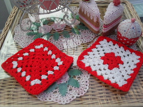 Pretty Squares for our 'Christmas Challenge'...........>
