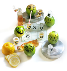 Limes Gone Wild! (RєRє) Tags: wild food playing silly fun lemon comedy toe with artistic comida humor salt tequila gone lemons alimento amarelo lime tac having tic limes sal brincando brincadeira limon tictactoe anthropomorphic amarela limão siciliano alimentación anthropomorph humeur limões antropomórfico antropomorfico anthropomorphe brincandocomacomidablog