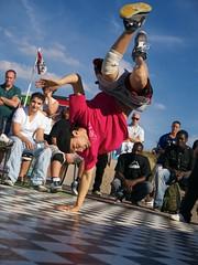 Hip Hop in Scheveningen (jcsuperstar60) Tags: street people dance aperture action outdoor scheveningen fast battle denhaag hiphop e3 breakdance streetdance olympuszuikodigital1454mmf2835