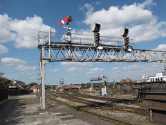 12 Semaphores (rcarpe2) Tags: railway junction shrewsbury crewe lower signal semaphore gantry gwr quadrant