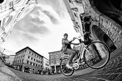 In bici  meglio! (Piccinaccia!) Tags: street bike bn fisheye tuscany toscana grosseto bicicletta maremma