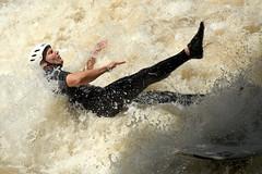 Eisbach Surfer Mnchen (Werner Schnell Images (2.stream)) Tags: city standing river munich mnchen bayern bavaria canal surfer wave surfing isar garten ws englischer eisbach