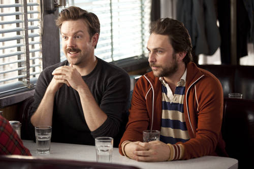 jason-sudeikis-charlie-day-going-distance-pic