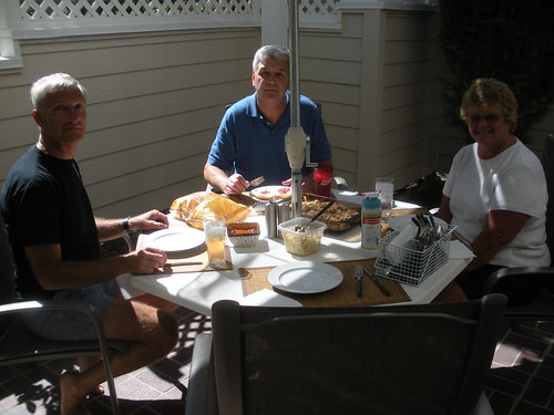 Lunch al fresco with Peg and Ted