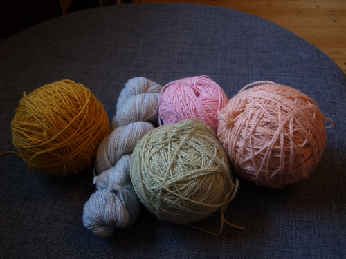 Colours for a new shawl