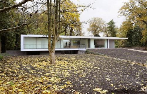 Utrecht-river-vecht-house-design-588x379