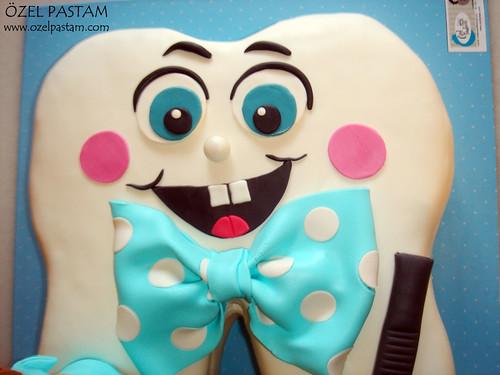 Demir'in Diş Pastası / Tooth Cake