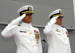 Captains Honoring at Change of Command (US Navy) Tags: captains uniform military salute militar usnavy uniforme unitedstatesnavy changeofcommand marineros ussmakinisland