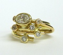 Diamond circles style ring