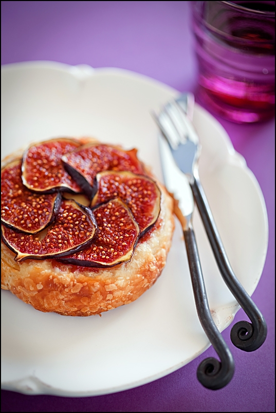 Tart with figs and Camembert