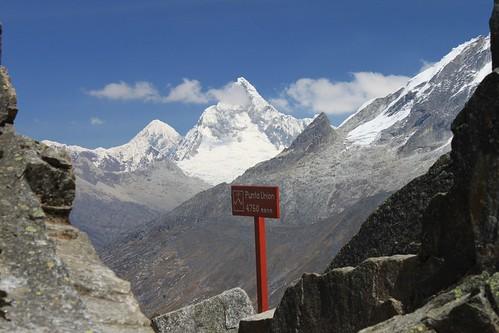 Alpamayo (5,947 m)