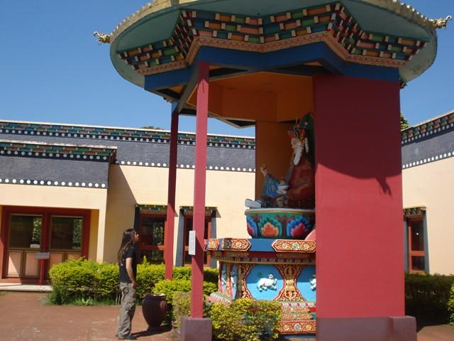 5037853542 92bb0433fe z O que fazer em Gramado   Que tal conhecer o Tibet?