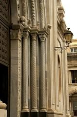 Catania, Chiesa di Sant'Agata al Carcere, Gewnde des Portals (Portal decoration) (HEN-Magonza) Tags: decoration sicily portal column romanesque sculptural catania sicilia sule sizilien romanik portalgewnde chiesadisantagataalcarcere decorationportal