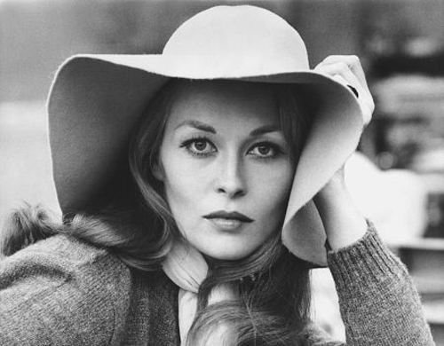 Faye Dunaway in PUZZLE OF A DOWNFALL CHILD