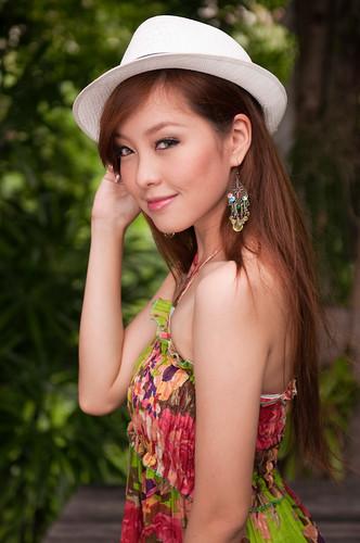 フリー写真素材, 人物, 女性, アジア女性, ドレス, 帽子・キャップ,