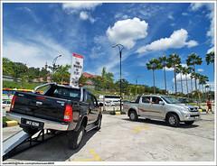 2010 Toyota Hilux 3.0G D-4D Intercooler VNT (sam4605) Tags: ed 4x4 4wd olympus malaysia borneo toyota kotakinabalu e1 sabah vigo intercooler hilux 30g zd d4d sabahborneo vnt 1260mm 1borneo sam4605 2010hilux