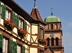 Il est 14h17  Kaysersberg ~ 2:17pm in Kaysersberg (Michele*mp) Tags: france building church architecture frankreich october europe alsace maison glise halftimbered octobre colombages hautrhin kaysersberg michelemp leuropepittoresque