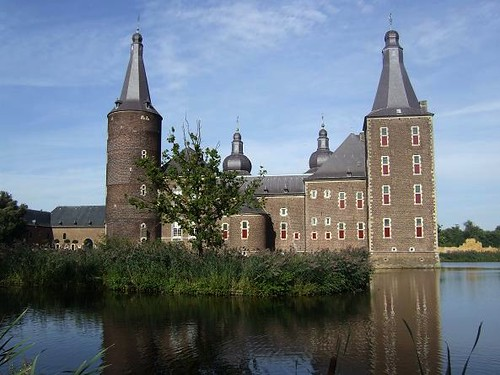 Hoensbroek Castle[7]