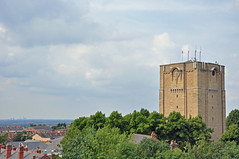 963 (benbobjr) Tags: uk england castle unitedkingdom watertower lincolnshire trent valley lincoln midlands westgate rivertrent lincolncastle trentvalley westgatewatertower