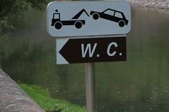 En cas d'urgence... (Pi-F) Tags: signalisation panneau urgence wc toilette dépannage enlèvement france humour joke witz