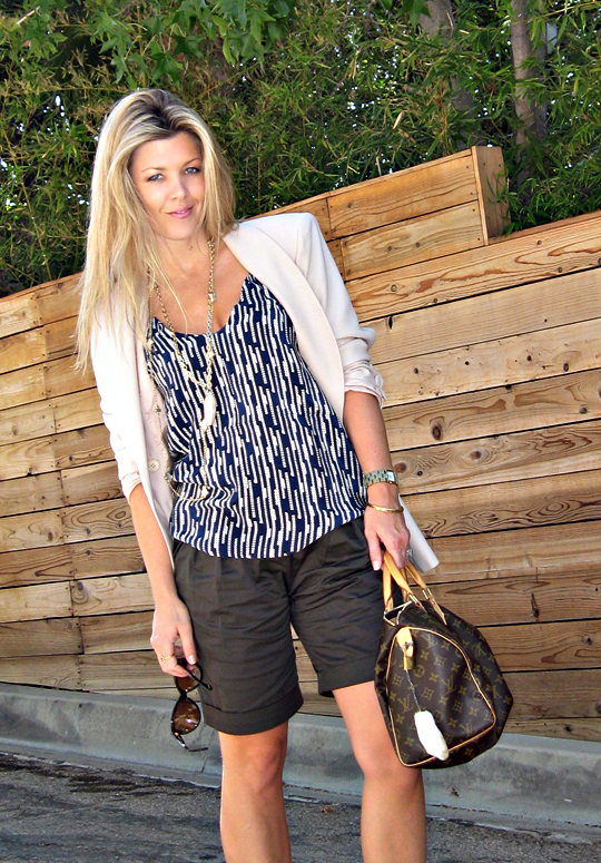 shorts+blazer+louis vuitton speedy+myne printed tank+shell necklace+clover necklace+gold accessories+long blond hair