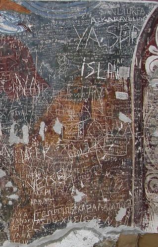 DSCN0265 Sumela, graffiti en turc et en grec (daté 1832)
