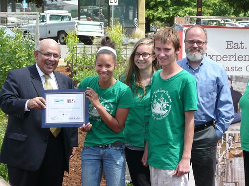 Victor Vasquez, USDA Deputy Under Secretary for Rural Development presented a partnership award to the young men and women involved in the Youth Garden at the Community Services Consortium in Corvallis, Oregon.
