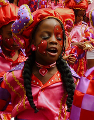 So lovely... (Channed) Tags: carnival red summer holland festival hearts rotterdam colorful nederland thenetherlands carribean parade zomer streetparade carnaval multicolored optocht summercarnival zomercarnaval carnavalsoptocht caribisch chantalnederstigt