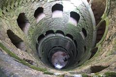 pozo iniciático (pilikino) Tags: portugal torre dante quintadaregaleira sintra unesco well poço invertida divinacomedia esotérico luigimanini iniciatic antónioaugustocarvalhomonteiro