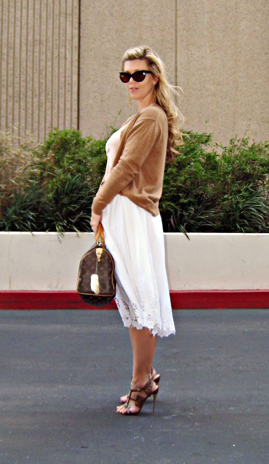 tom ford anouk sunglasses+white skirt+peach tank+lamb sandals_sharp