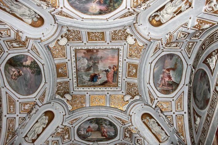 081310_ceiling03