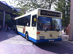 EYMS 284 coaching livery (Siwelsbuses) Tags: hull eastyorkshire 284 optare eyms bigbusday