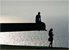 [フリー画像] 人物, カップル・恋人・夫婦, 人と風景, 海, シルエット, 201009091300