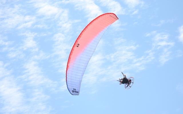 motoparachute3