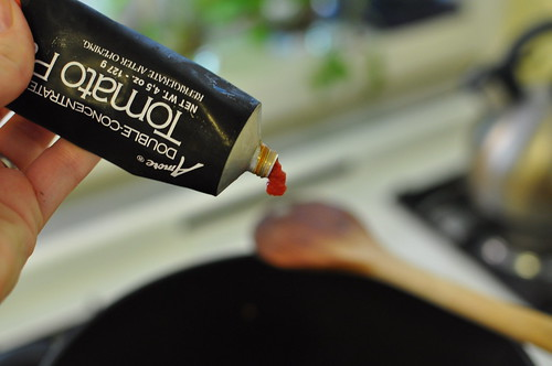 tomato paste squirt