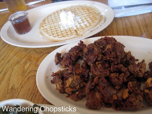 Roscoe's House of Chicken and Waffles - Pasadena 7