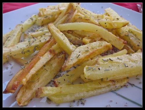 Patatas con sal gorda y romero